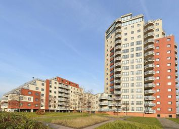 Thumbnail 3 bedroom shared accommodation to rent in Wards Wharf Approch, Pontoon Dock