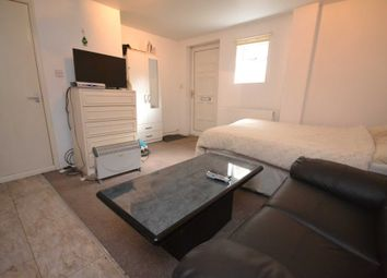 Thumbnail Studio to rent in Wilderness Road, Earley, Reading