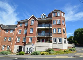 Thumbnail 2 bed flat for sale in Hamilton Road, High Wycombe