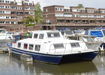 Thumbnail 2 bedroom houseboat for sale in Brentford Dock Marina, 2 Justin Close, Brentford