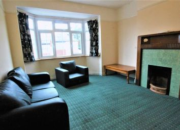 Thumbnail 2 bed flat to rent in Oakleigh Crescent, London