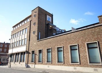 Thumbnail 2 bed flat to rent in Stonhouse Street, London