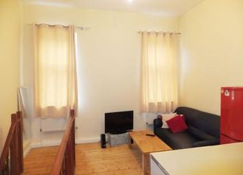2 bed maisonette to rent in Hammersmith Grove, London W6