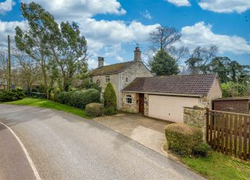 Thumbnail 4 bed cottage for sale in Main Street, Honington, Grantham