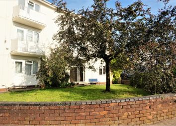 Thumbnail 2 bed flat for sale in Crompton Street, Warwick