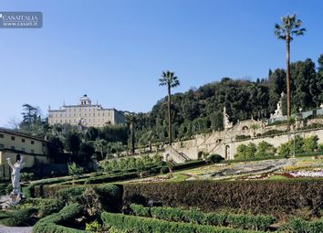 Thumbnail Hotel/guest house for sale in Lucca, Toscana, It