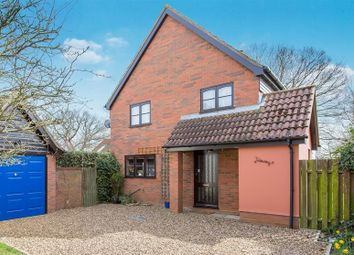 Thumbnail 3 bed detached house to rent in Post Office Corner, Stutton, Suffolk