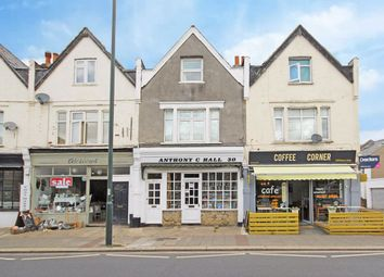 3 bed flat to rent in Staines Road, Twickenham TW2