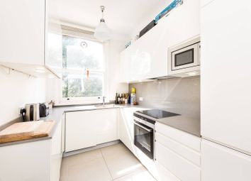 Thumbnail 2 bed flat for sale in Elm Park Road, Chelsea