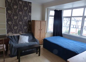 Thumbnail Room to rent in Kenmere Gardens, Wembley