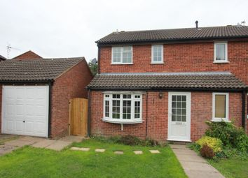 3 bed semi-detached house to rent in Oak Close, Burbage, Hinckley LE10