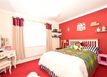 Thumbnail 2 bed flat for sale in Lincoln Close, Woodside, Croydon