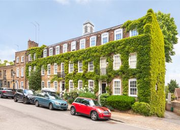 Thumbnail 2 bedroom flat for sale in Hogarth Court, North End, Hampstead, London