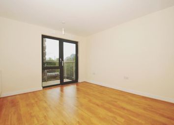 Thumbnail 1 bed flat to rent in Gwynne Road, London