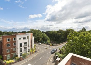 Landmark Court, 30 Queens Road, Weybridge, Surrey KT13. 3 bed flat for sale