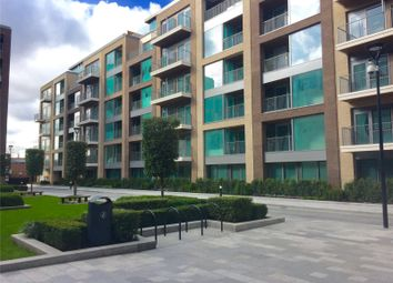 Thumbnail 1 bedroom flat for sale in Lockside House, London
