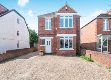 Thumbnail 3 bedroom detached house to rent in Forlease Road, Maidenhead