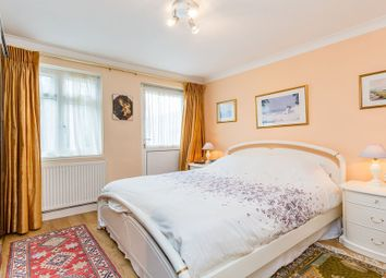 Thumbnail 3 bed flat to rent in Totteridge Lane, Whetstone, London