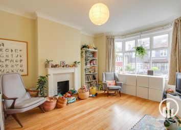 3 bed property for sale in Polsted Road, Catford, London SE6