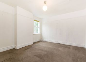 2 bed flat to rent in Purley Park Road, Croydon, Purley CR8