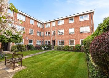 Thumbnail 2 bedroom flat to rent in Henley-On-Thames, Oxfordshire