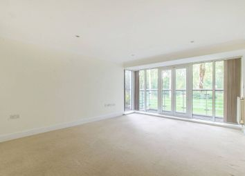 Thumbnail 2 bed flat to rent in Creswell Drive, Park Langley, Beckenham