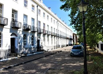 Albion Terrace, London Road, Reading, Berkshire RG1. 2 bed flat