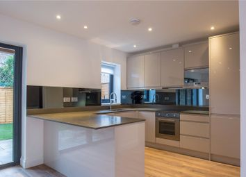 Thumbnail 2 bedroom detached house to rent in Edeleny Close, East Finchley