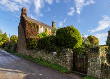 Thumbnail 3 bed cottage for sale in Mill Lane, Wigginton, Banbury