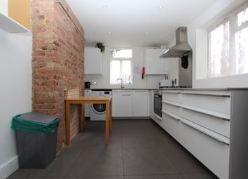 Thumbnail 2 bed flat to rent in Forest Road, Hackney