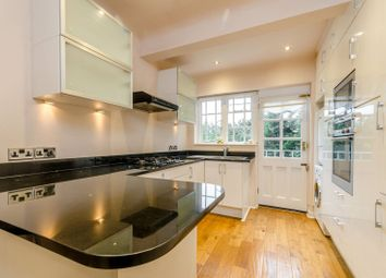 Thumbnail 3 bed flat to rent in Roehampton Close, Putney