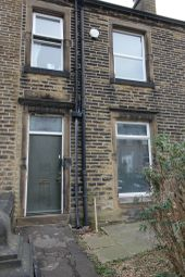 Thumbnail Room to rent in Arnold Avenue, Birkby, Huddersfield
