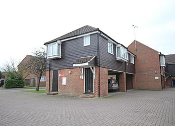 Thumbnail 2 bed flat to rent in The Meadows, Sawbridgeworth, Herts