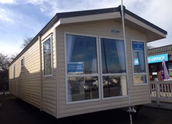 Thumbnail 2 bedroom mobile/park home for sale in The Links, Whitley Bay