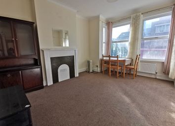 3 bed maisonette to rent in West Hendon Broadway, London NW9