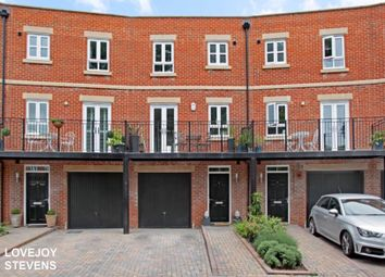 Thumbnail 4 bedroom town house to rent in Hennessy Crescent, Newbury