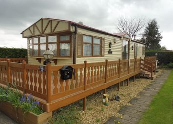 Thumbnail 1 bedroom mobile/park home for sale in Towngate East, Market Deeping, Peterborough
