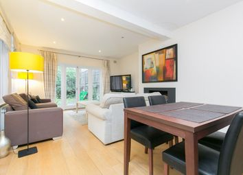 Thumbnail 3 bedroom flat to rent in Lavender Gardens, London