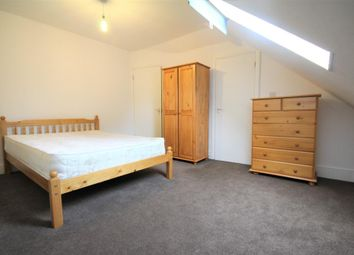 Thumbnail 5 bed flat to rent in Colney Hatch Lane, Muswell Hill, London