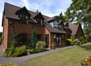 2 bed property for sale in Pinewood Court, Fleet GU51