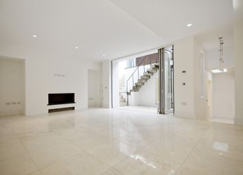 Thumbnail 3 bed flat for sale in Devonshire Place, London
