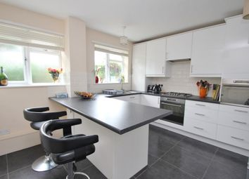 Thumbnail 2 Bed Flat To Rent In Portsmouth Road Surbiton