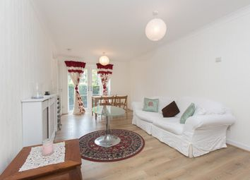 Thumbnail 2 bed flat to rent in Beechwood Grove, London