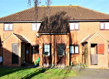 Thumbnail 2 bedroom flat for sale in Home Meadow, Welwyn Garden City