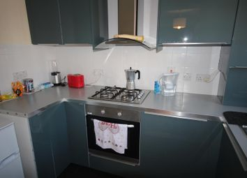 Thumbnail 2 bedroom flat for sale in Beechwood Grove, Acton