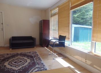 Thumbnail 2 bed flat to rent in Hilltop Garden, Hendon Central, London