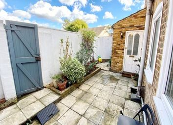 3 Wellington Road, London E11. 1 bed maisonette