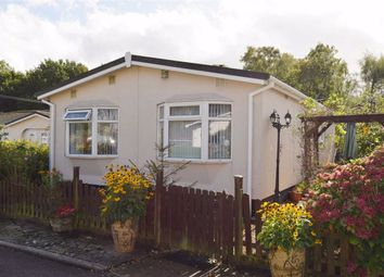 2 bed mobile/park home for sale in East Hill Park, Knatts Valley, Sevenoaks TN15