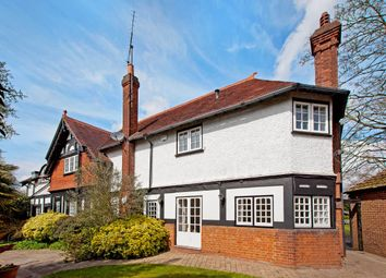 Thumbnail 4 bed detached house to rent in Lock Avenue, Maidenhead