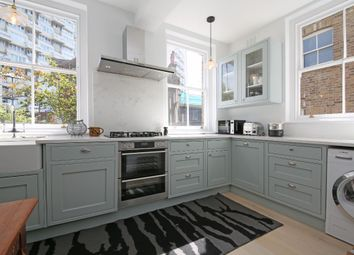 Thumbnail 5 bed flat to rent in Clapham Road, London